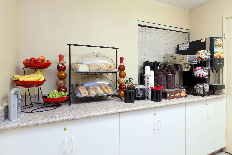 Restaurant - Americas Best Value Inn Central Bakersfield