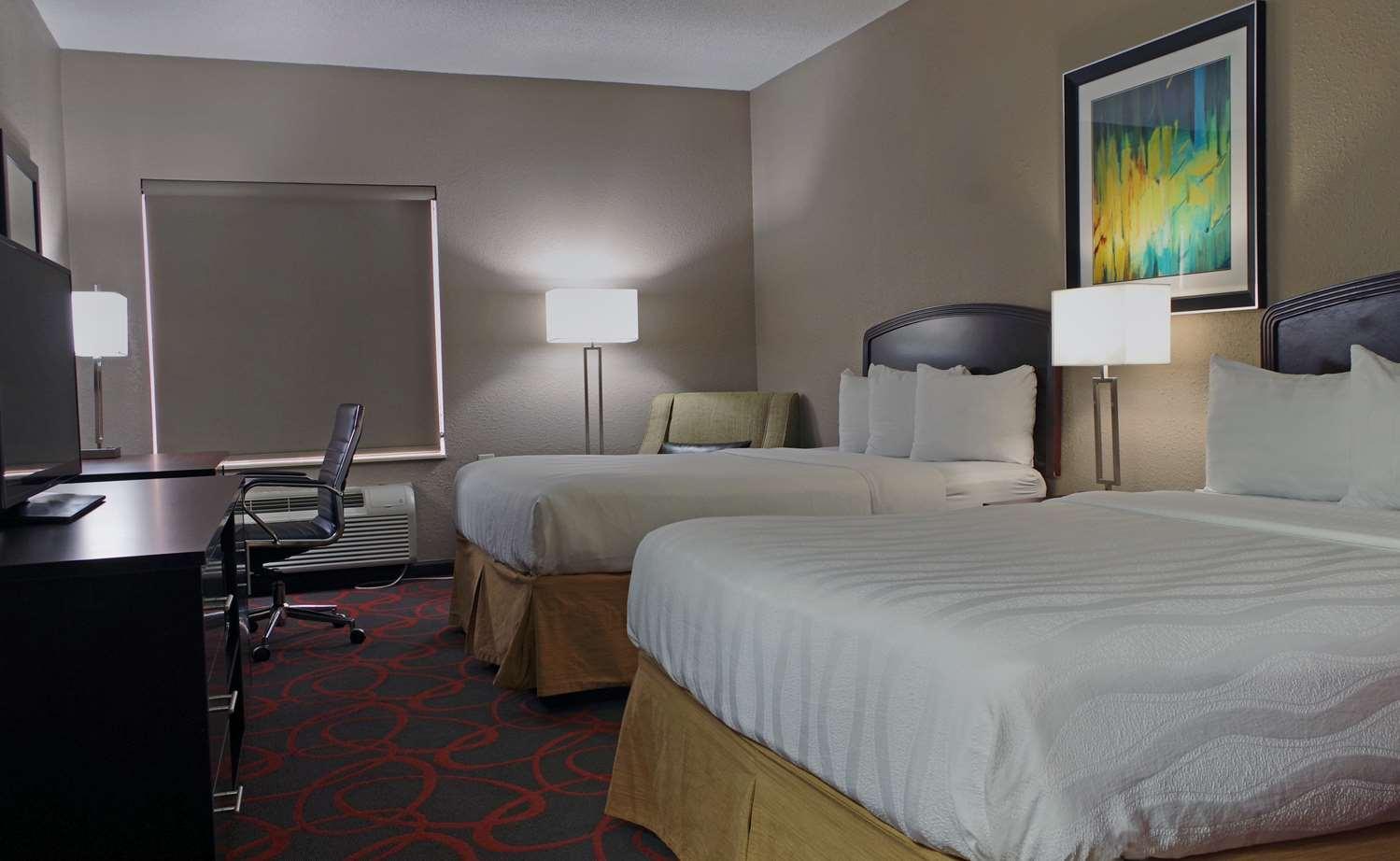 Room - Baymont Inn & Suites O'Fallon