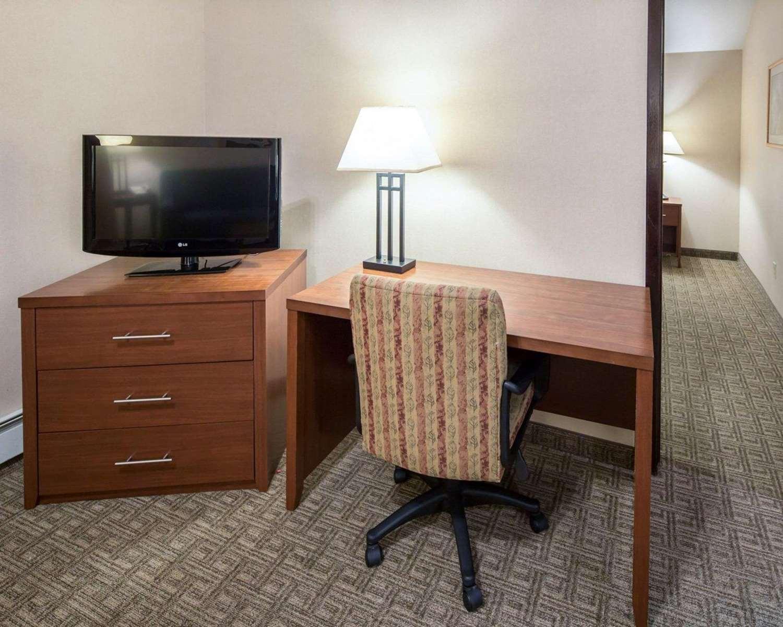 Room - Comfort Inn Ship Creek Anchorage