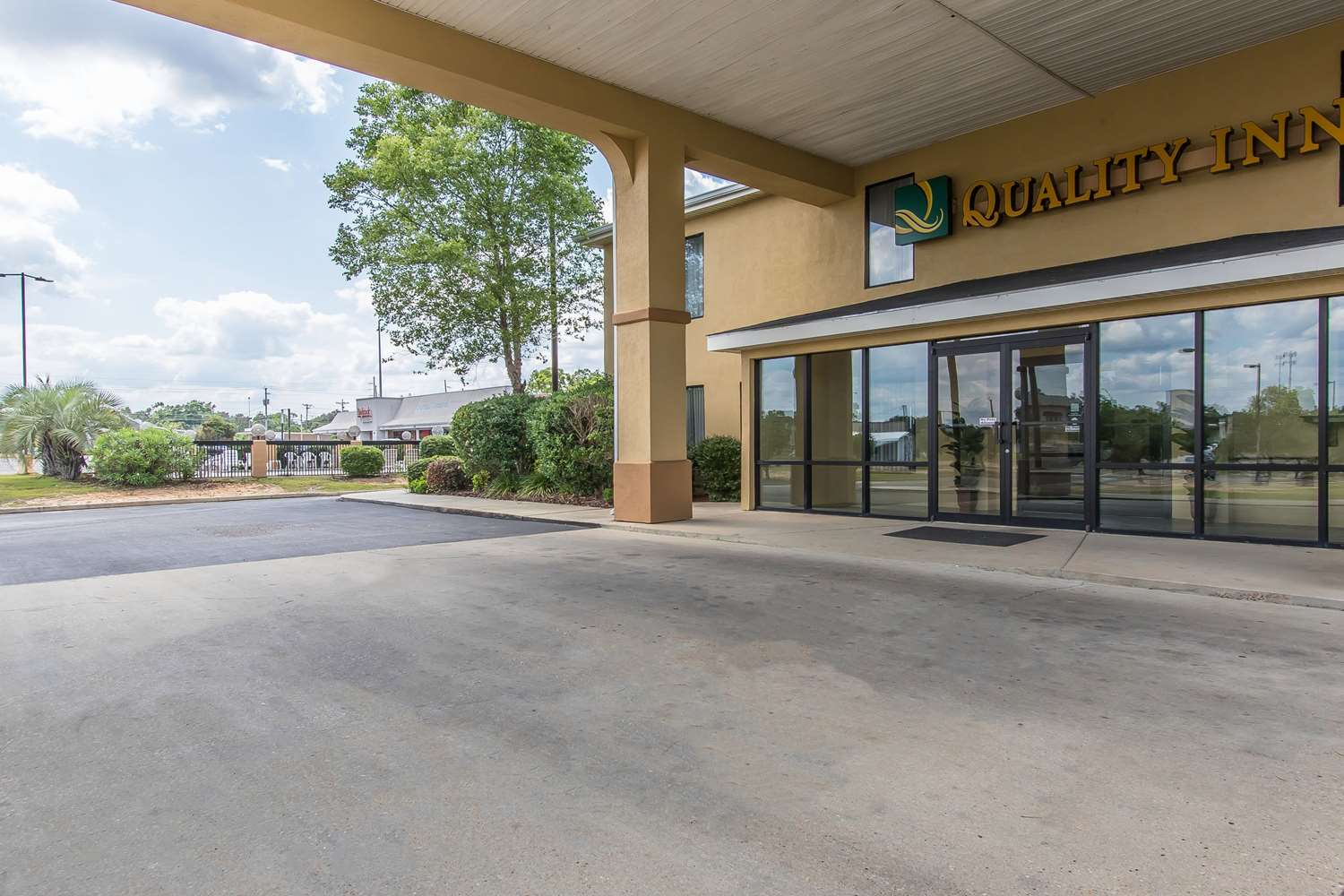Exterior view - Quality Inn Andalusia