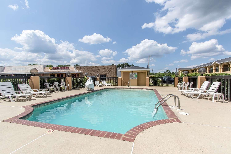 Pool - Quality Inn Andalusia