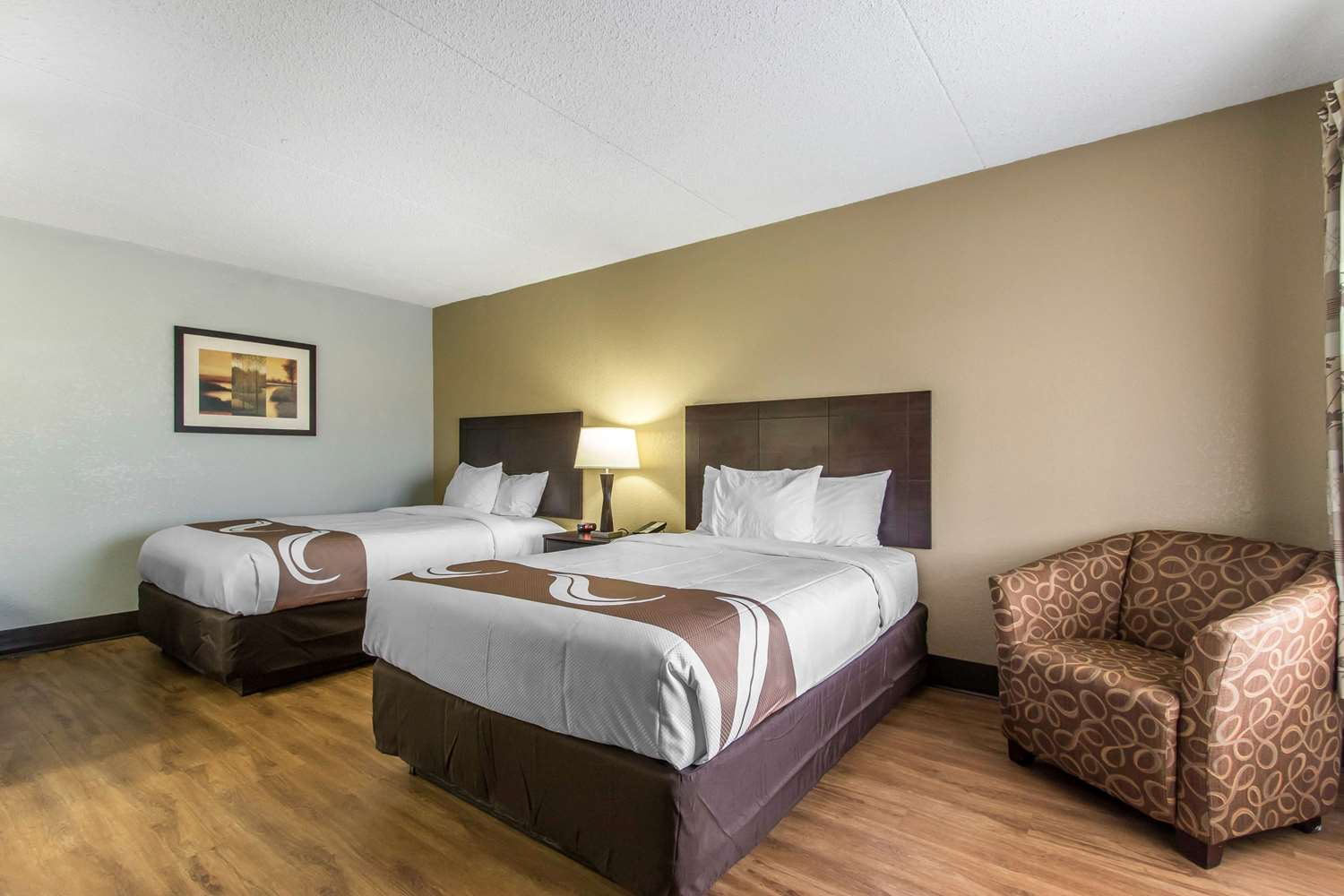 Room - Quality Inn Downtown Mobile