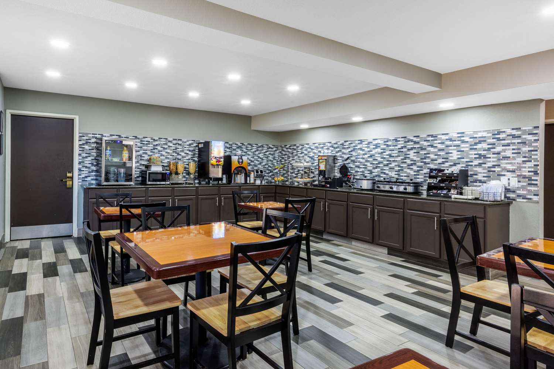 Restaurant - Rodeway Inn Tuscaloosa