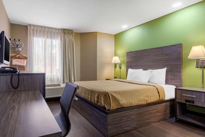 Room - Rodeway Inn Tuscaloosa