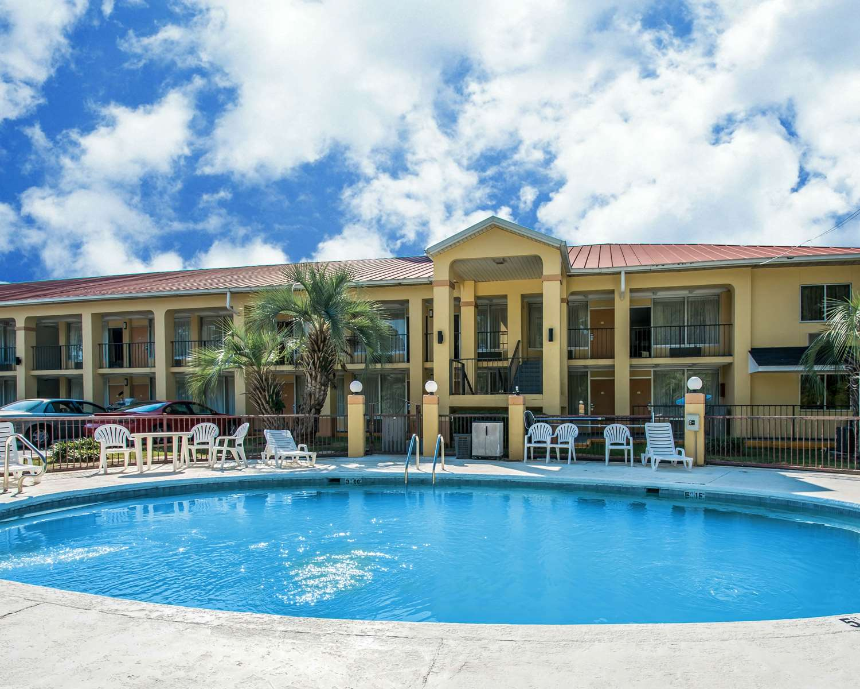 Exterior view - Quality Inn Evergreen