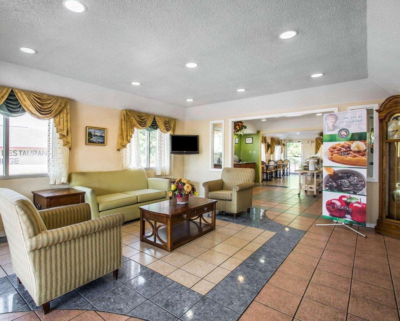 Lobby - Quality Inn Evergreen