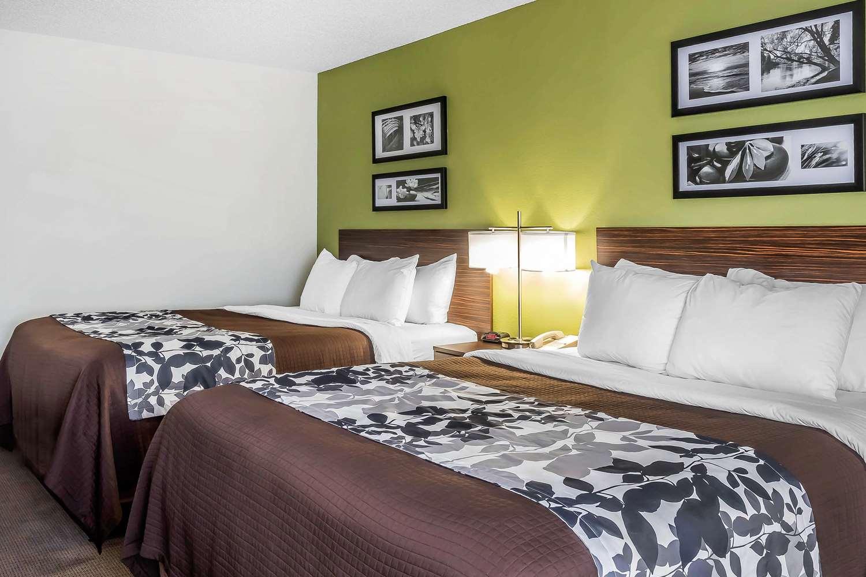 Room - Sleep Inn & Suites Dothan