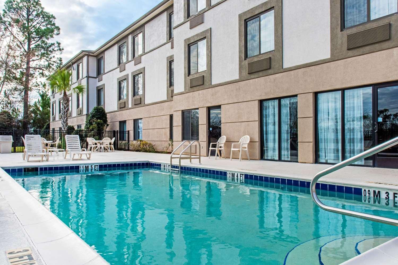 Pool - Sleep Inn & Suites Dothan