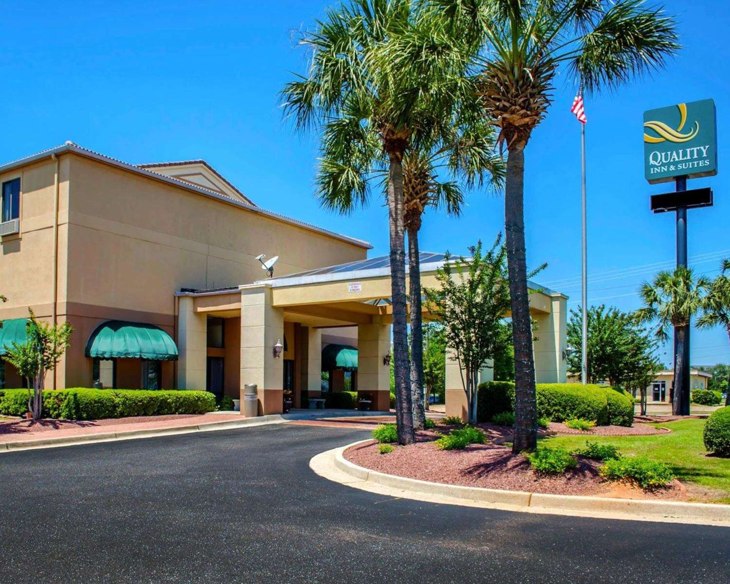 Exterior view - Quality Inn & Suites West Mobile