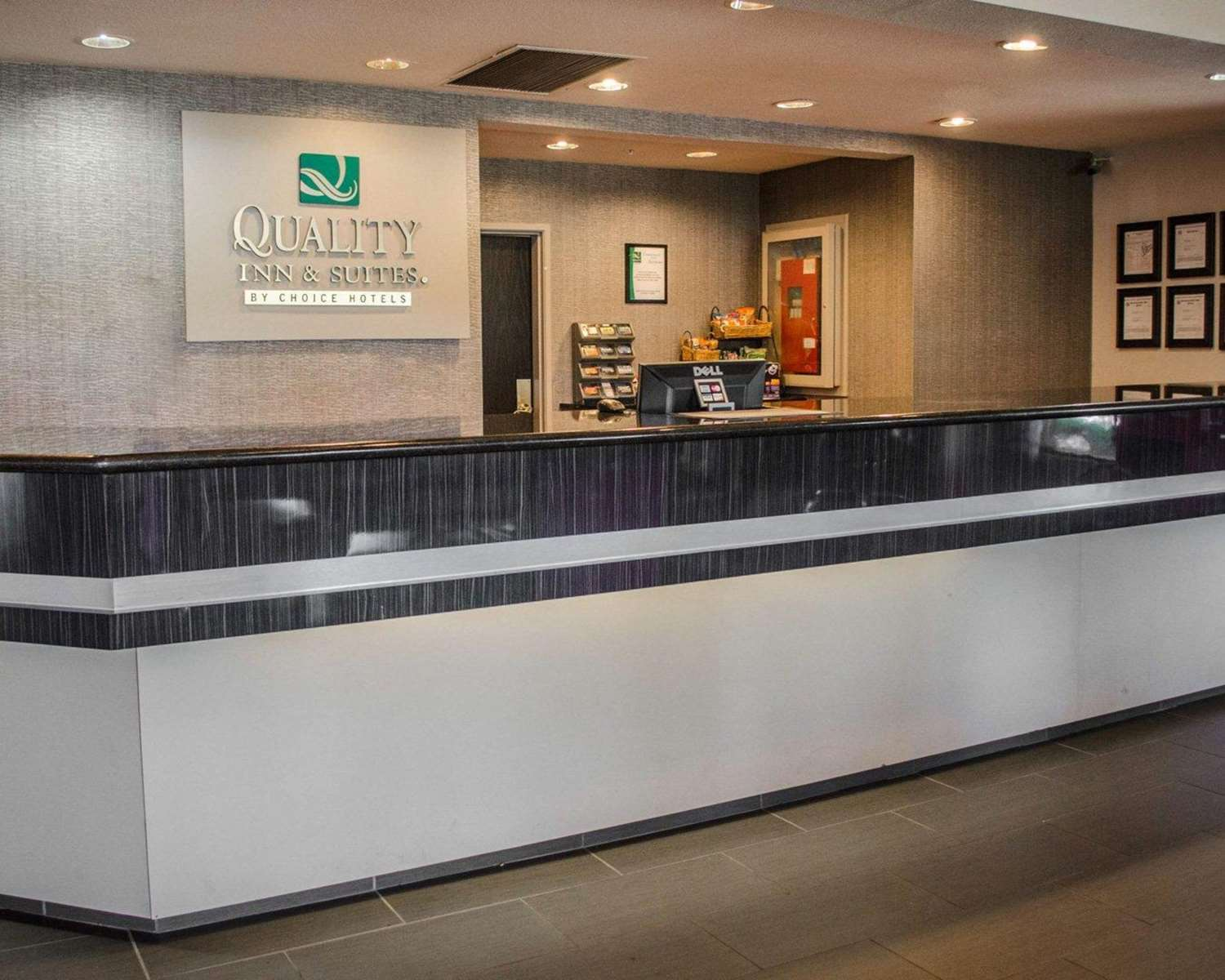 Lobby - Quality Inn & Suites West Mobile
