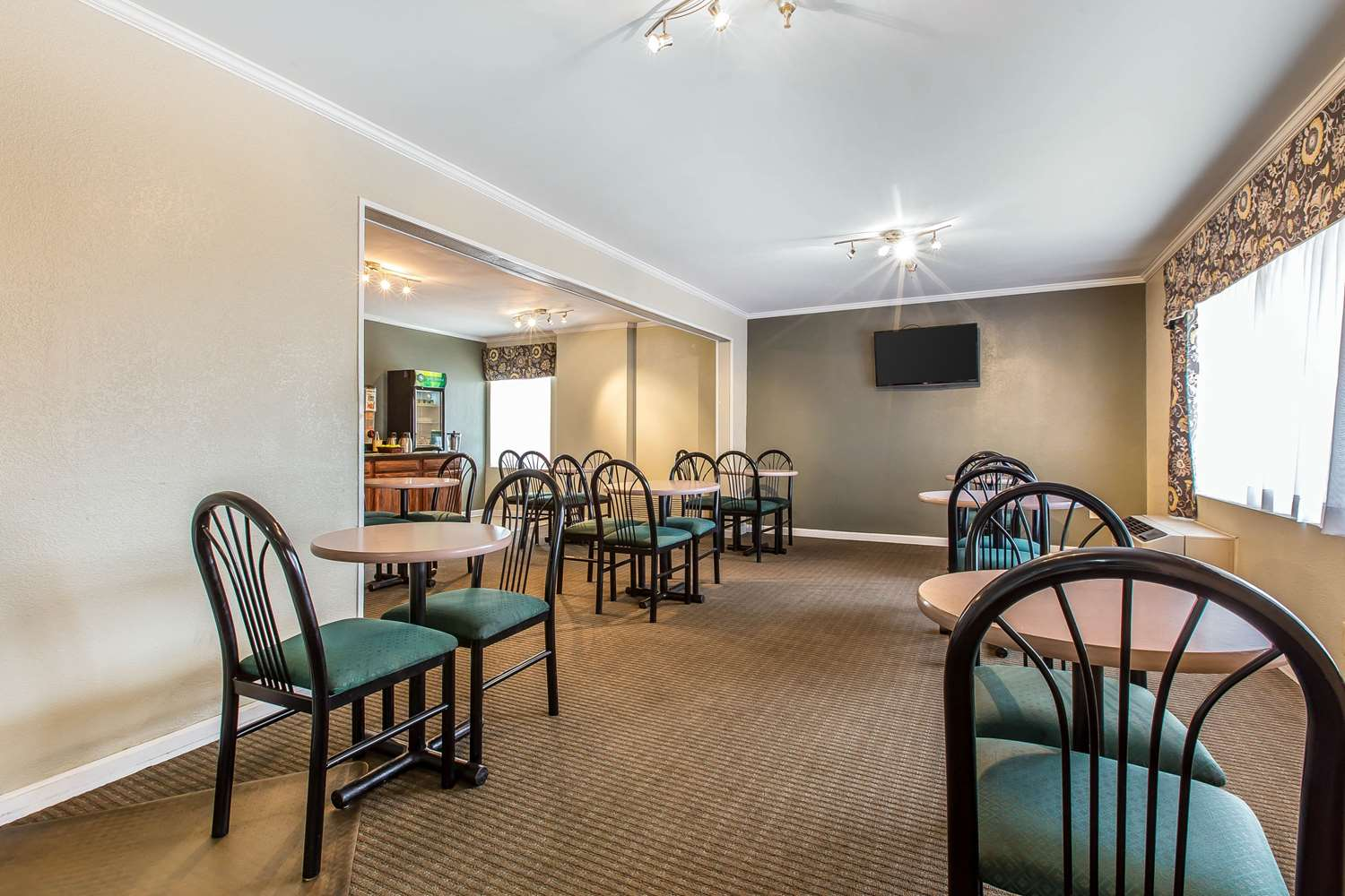 Restaurant - Quality Inn Homewood