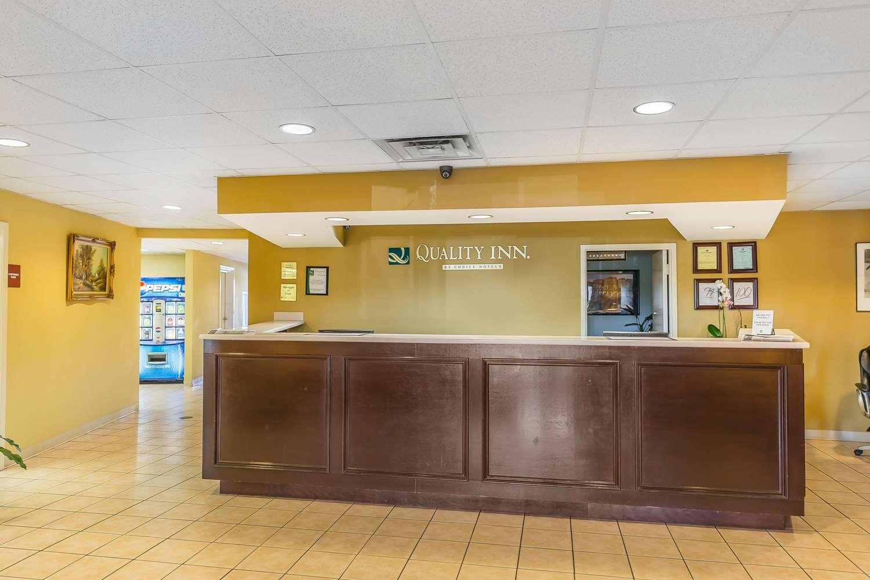 Lobby - Quality Inn Calera