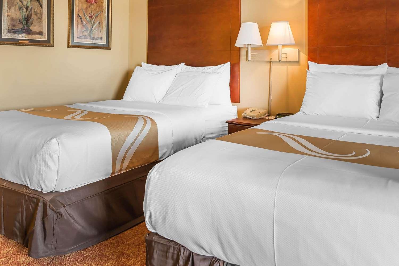 Room - Quality Inn Calera