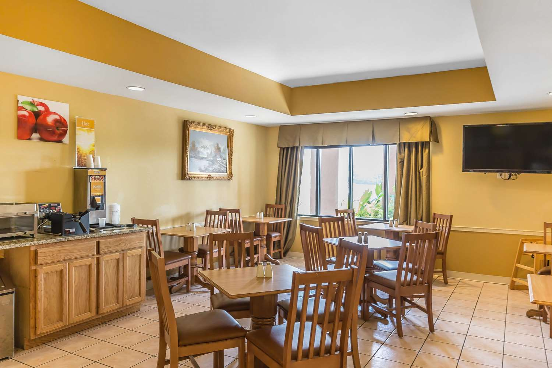 Restaurant - Quality Inn Calera