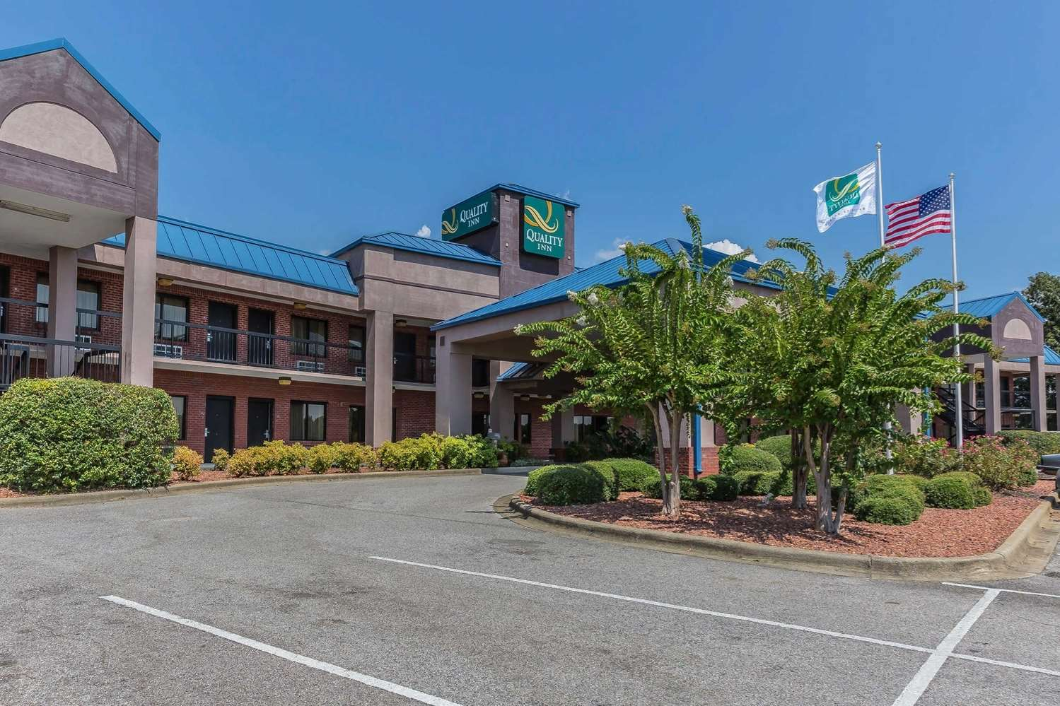 Exterior view - Quality Inn Calera