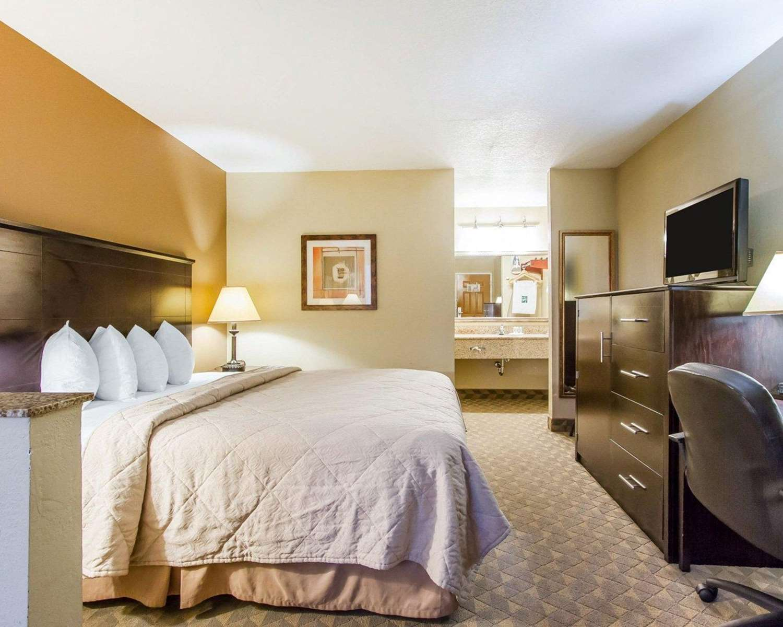 Suite - Quality Inn & Suites Greenville