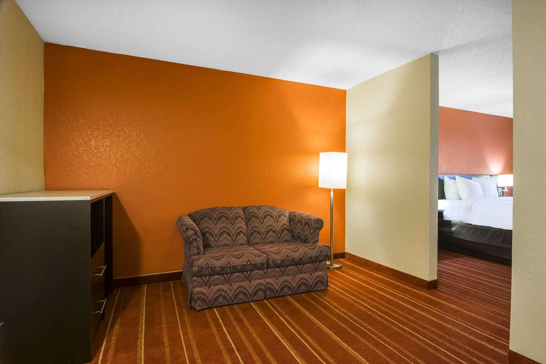Quality Inn Phenix City, AL - See Discounts
