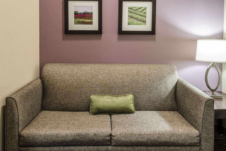 Room - Comfort Inn & Suites Dothan