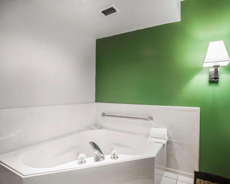 Suite - Quality Inn Foley