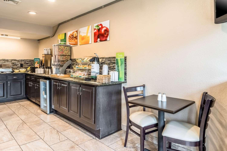 Restaurant - Quality Inn Village Mall Auburn