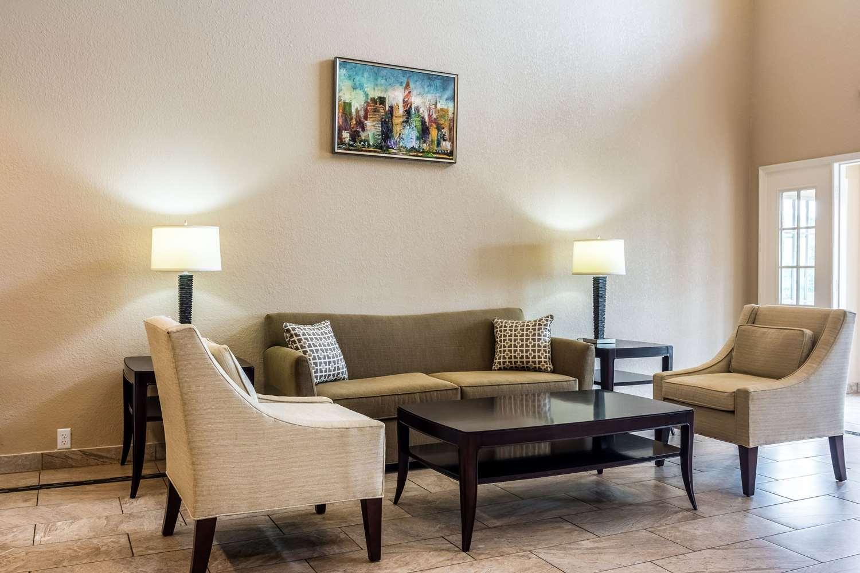 Lobby - Quality Inn Village Mall Auburn