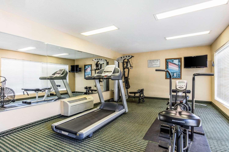 ... Fitness/ Exercise Room - Quality Inn Bessemer