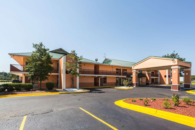 Exterior view - Econo Lodge Decatur