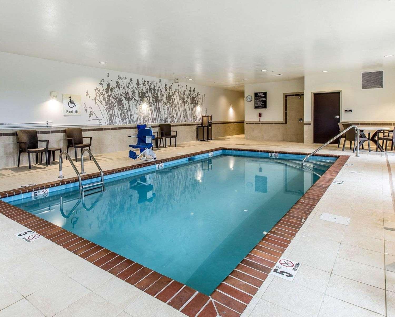 Pool - Sleep Inn & Suites Jasper