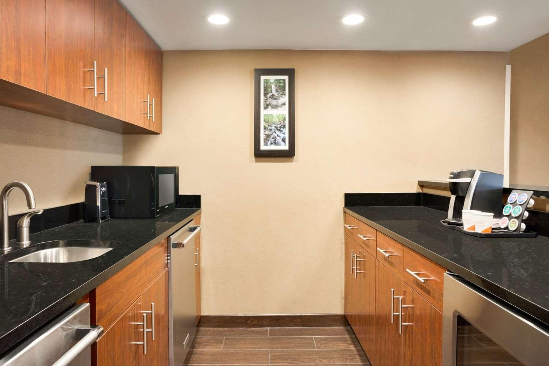 Suite - Comfort Inn & Suites Downtown Little Rock