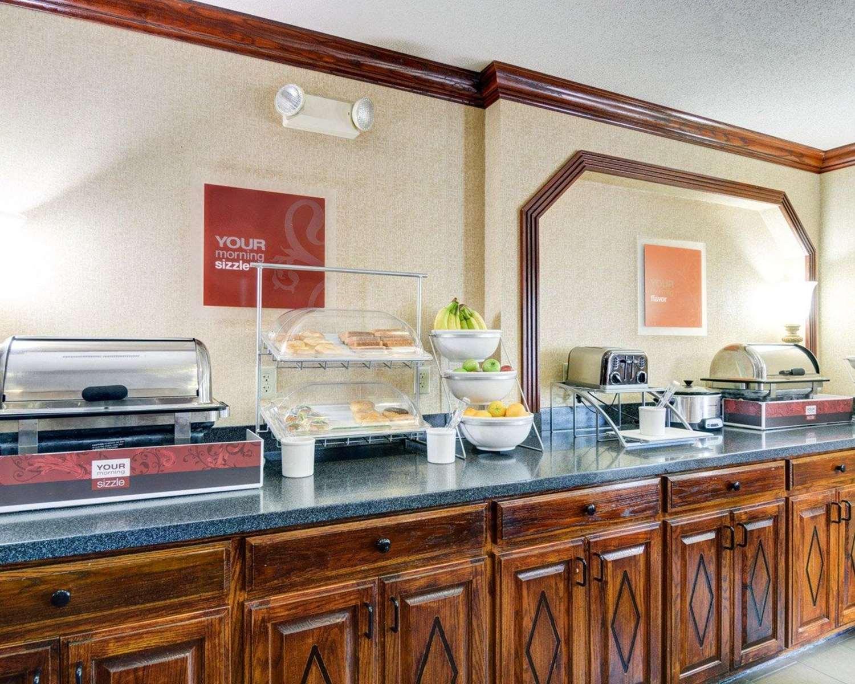 Restaurant - Comfort Inn & Suites Hendrix College Conway