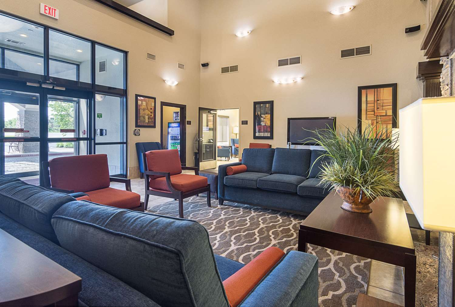 Lobby - Comfort Inn Crystal Bridges Bentonville
