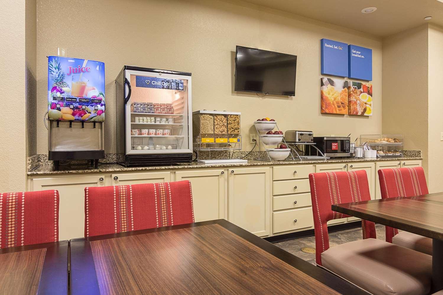 Restaurant - Comfort Inn Crystal Bridges Bentonville