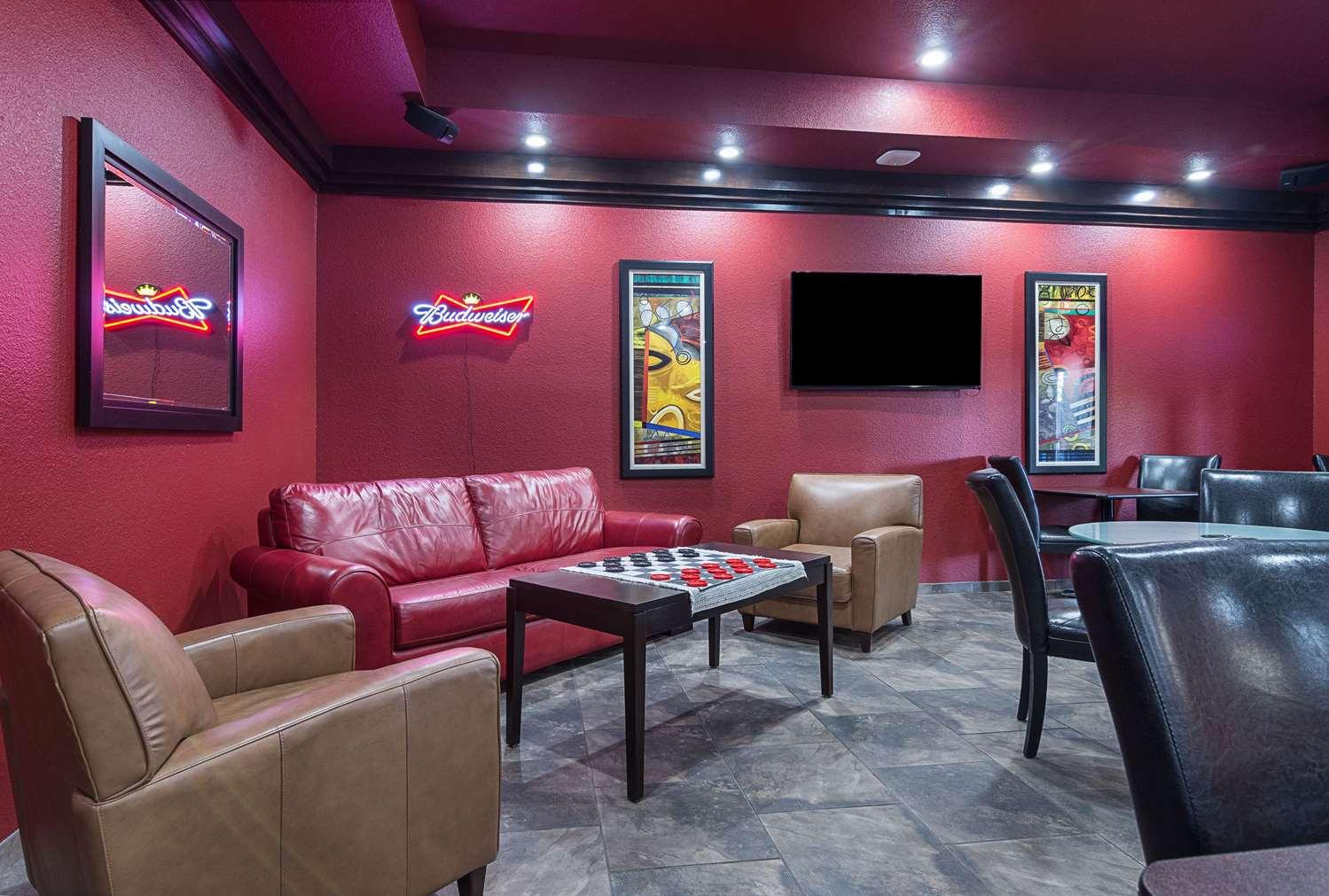 Bar - Comfort Inn Crystal Bridges Bentonville