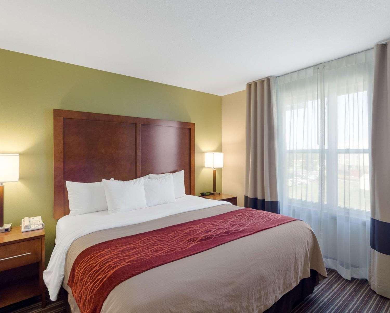 Suite - Comfort Inn & Suites Fayetteville