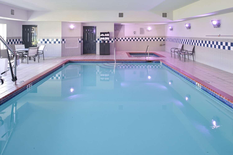 Pool - Comfort Inn & Suites Fayetteville