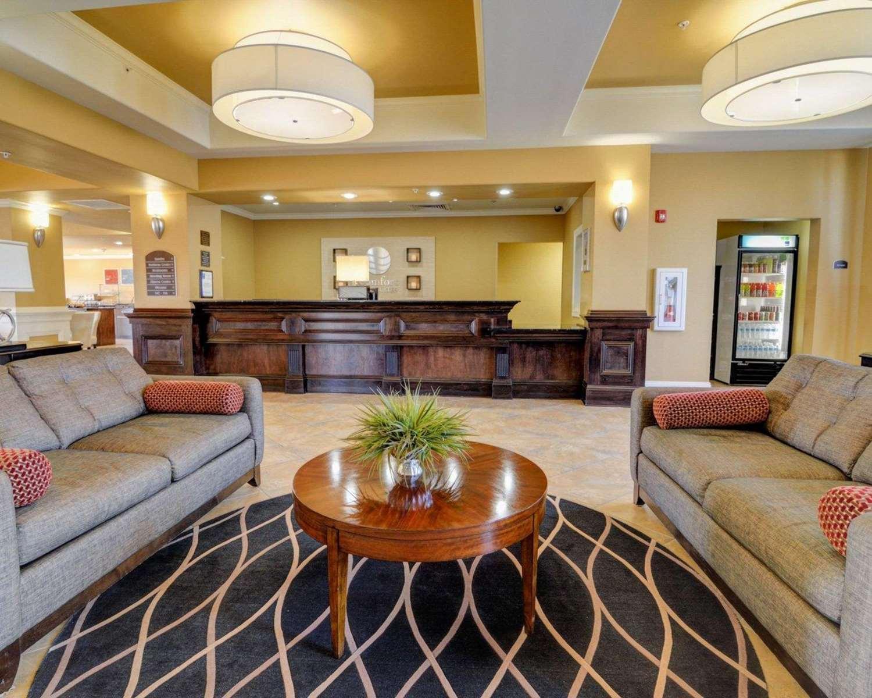 Lobby - Comfort Inn & Suites Fort Smith