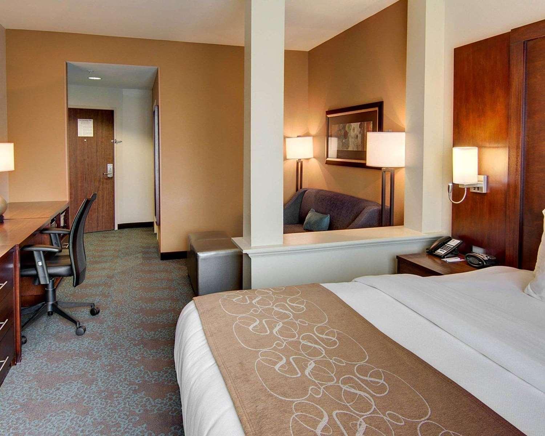 Room - Comfort Suites Texarkana