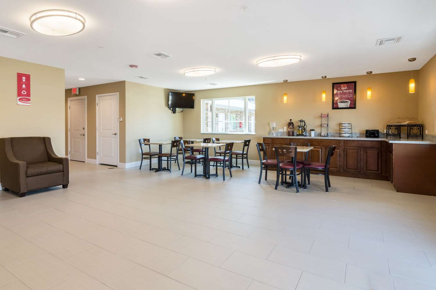 Lobby - Econo Lodge Inn & Suites Downtown North Little Rock