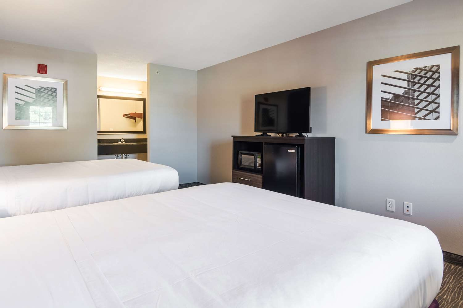 Room - Econo Lodge Inn & Suites Downtown North Little Rock