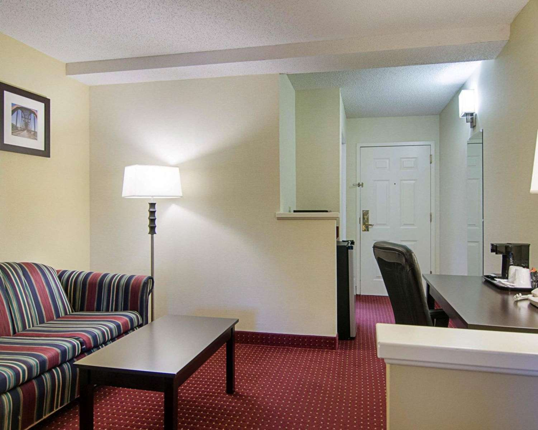 Suite - Comfort Inn Little Rock