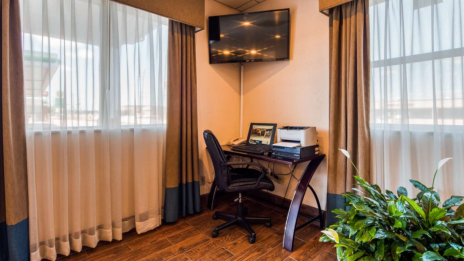 Conference Area - SureStay Hotel by Best Western Ottawa