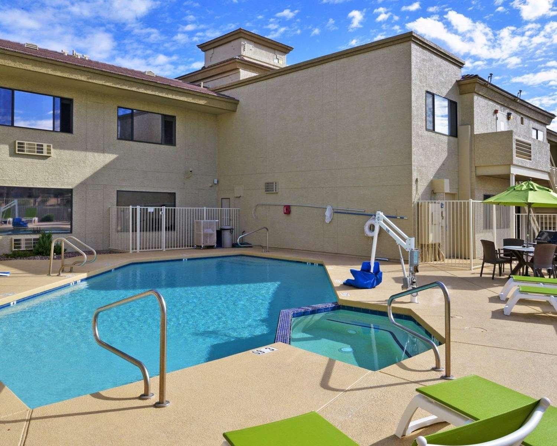 Pool - Comfort Inn Fountain Hills