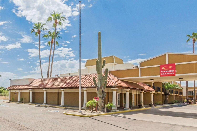 Exterior view - Econo Lodge Inn & Suites Mesa