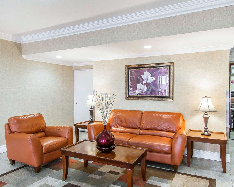 Lobby - Econo Lodge Inn & Suites Mesa