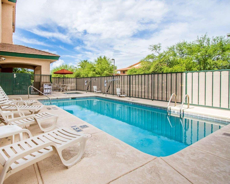Pool - Comfort Inn & Suites Sierra Vista