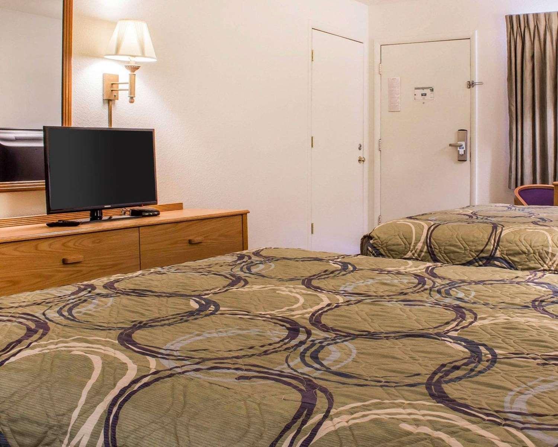Room - Rodeway Inn Silver Creek Taylor