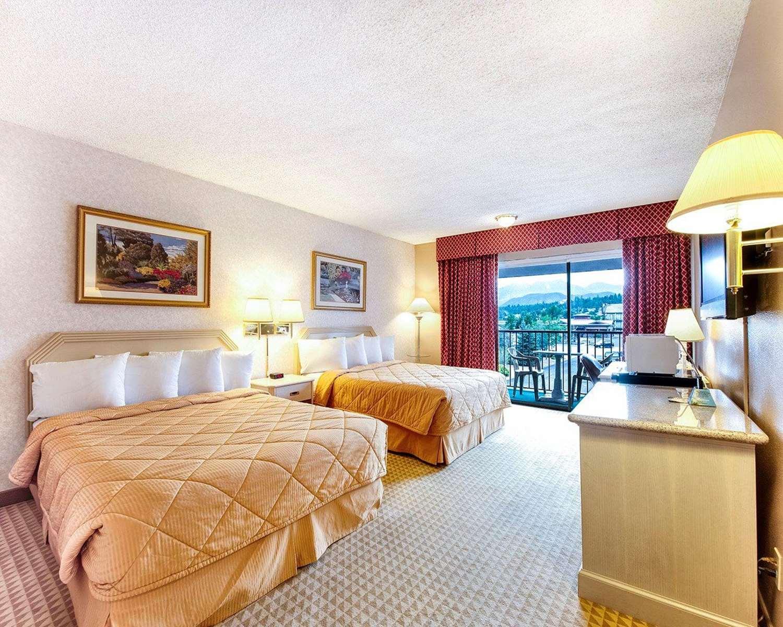 Room - Rodeway Inn & Suites Flagstaff