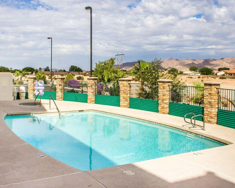 Pool - Comfort Inn & Suites Yuma