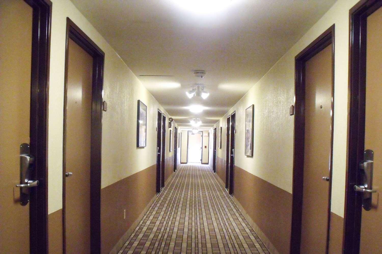 Lobby - Quality Inn Winslow