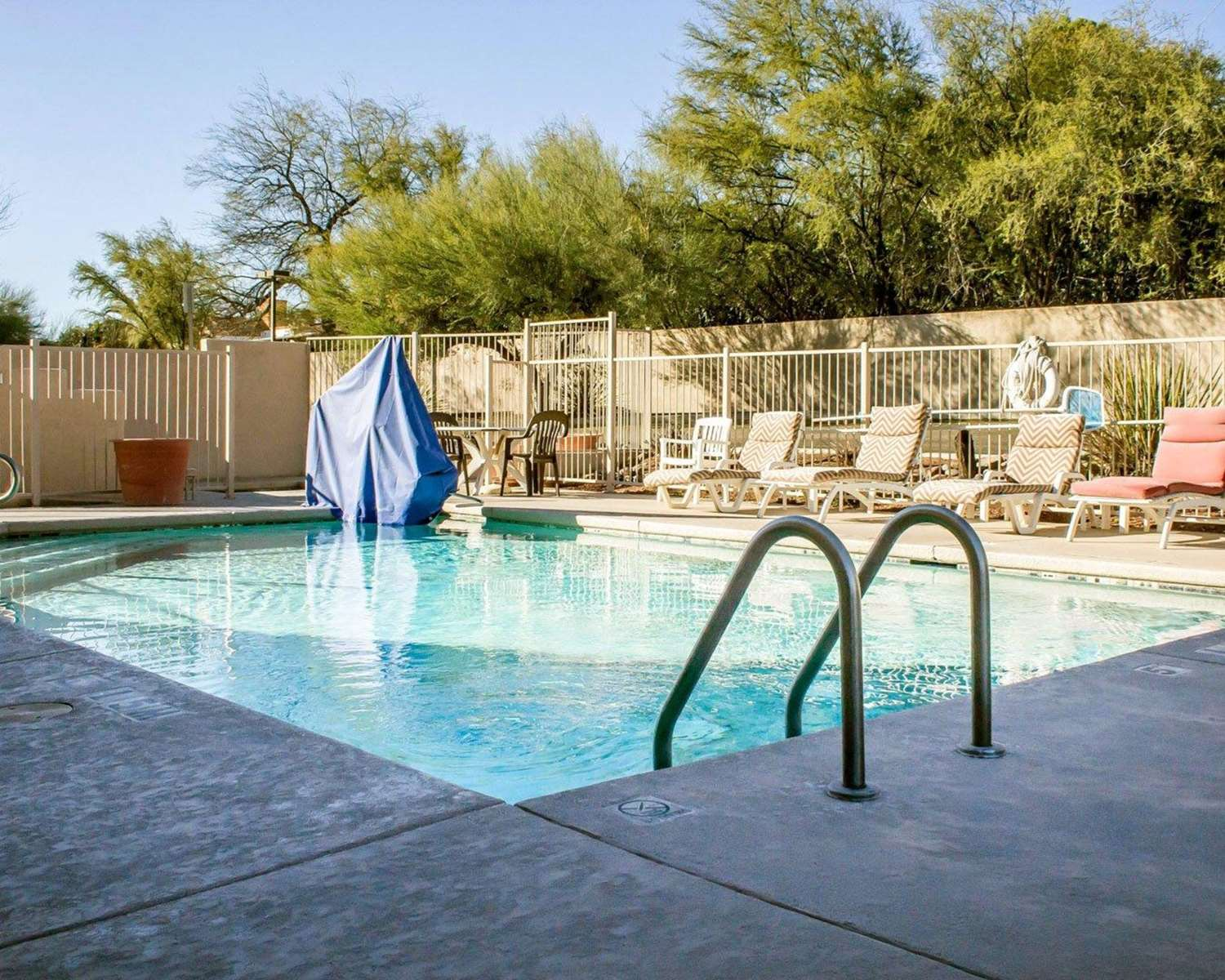 Pool - Comfort Inn Green Valley